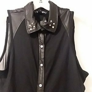 Eye Candy nwt blouse black Med.